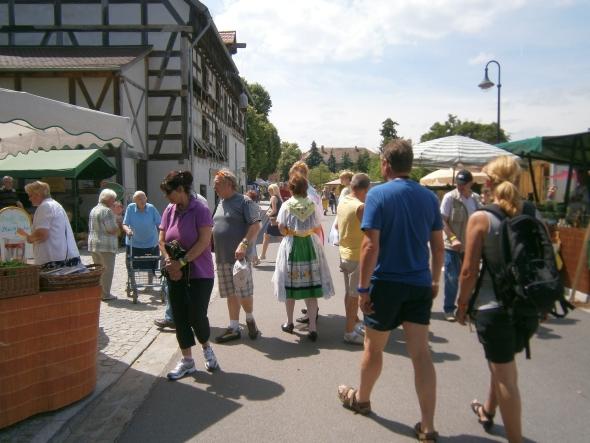 gemütliches Schlendern über den Johannismarkt, Foto: Fred Kunze, www.straupitz.de